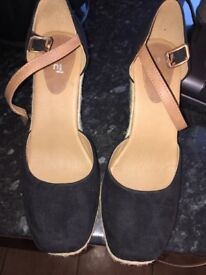 Brand new size 6 wedges