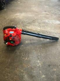 Petrol leaf blower in excellent condition