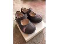 Clarks Grey Patent Toddler Shoes Size 5G