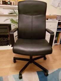 Leather Black Office Chair. Very good condition.