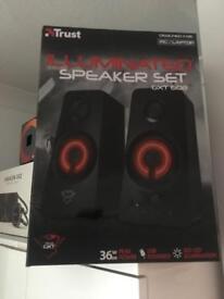 Trust speaker illuminated speaker set 2.0