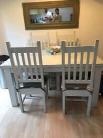 Solid wood Table with 4x Chairs