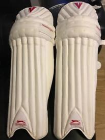Slazenger elite pro LARGE RH cricket pads