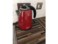 Red kettle Russel Hobbs