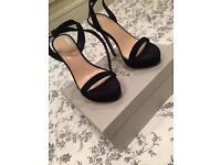 Size 5 Carvela's