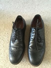 Jones the bookmakers pair of Men's nearly new black Brogue shoes size 8/41