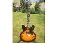 Epiphone Dot - Gibson 335 - Vintage sunburst Electric Guitar. Excellent condition.
