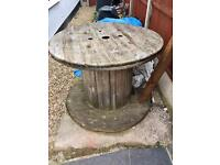 Outdoor reel / shabby chic table