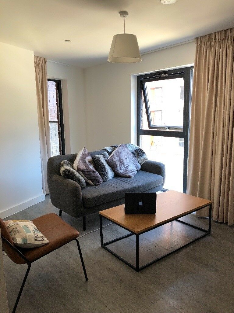 Stunning 2bed city apartment w/balcony! located by the ...