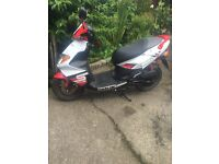 Red Daelim s5 2014 50cc moped