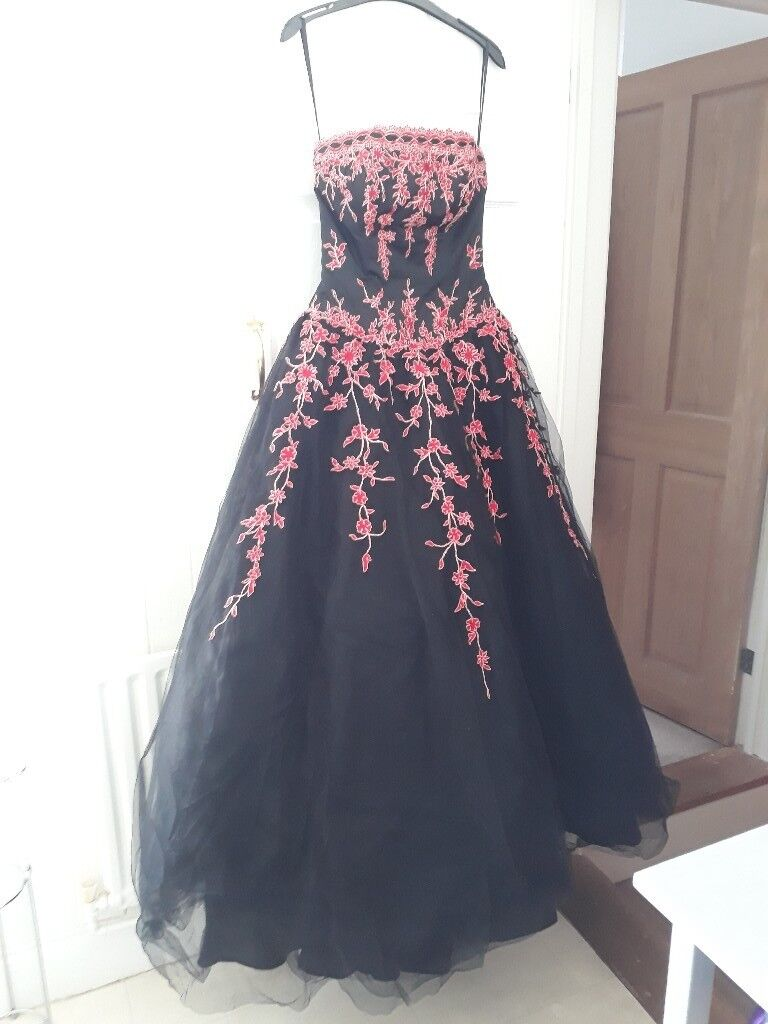 Gorgeous gothic style prom dress | in Southsea, Hampshire | Gumtree
