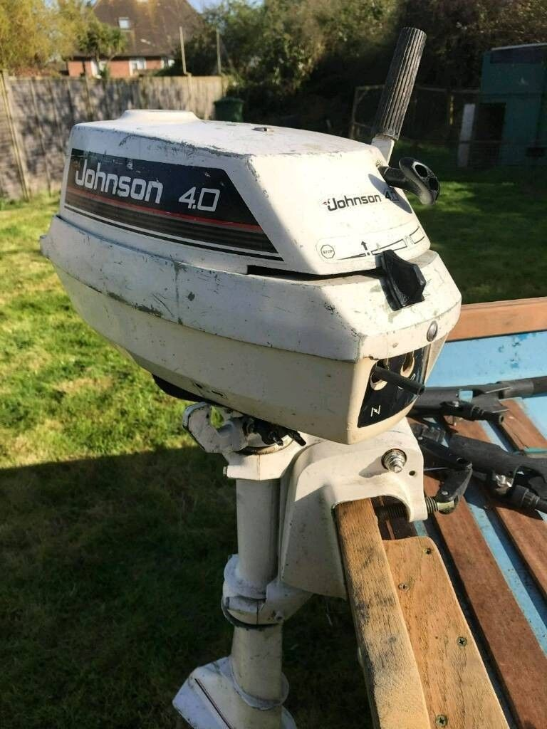 4hp johnson/evenrude outboard motor with 12 l tank and 2 stroke oil included