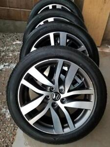 2016 HONDA PILOT  FACTORY OEM 20 INCH ALLOY WHEELS WITH HIGH PERFORMANCE CONTINENTAL245 / 50 /  20 TIRES.
