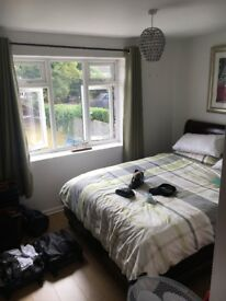 2 double bedrooms house share