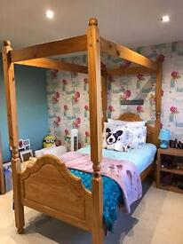 Childs four poster bed