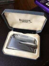 Ronson Varaflame Lighter excellent condition in original box.