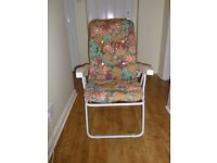 Garden / Sun Lounger - Reclining Arm Chair with 6 positions and Flower-Patterned Deep-Padded Cushion