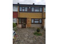 LOVELY 3 BEDROOM FAMILY HOME AVAILABLE NOW IN DAGENHAM. ONLY £1550