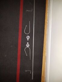 Metal curtain Rail (up to 1m50m) with crystal effect ends, 2 wall fixings & 2 metal tie backs