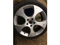 Set of 4 alloy wheels 225/40ZR18