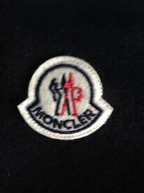 Moncler trackys
