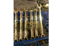 Snap on combination spanners