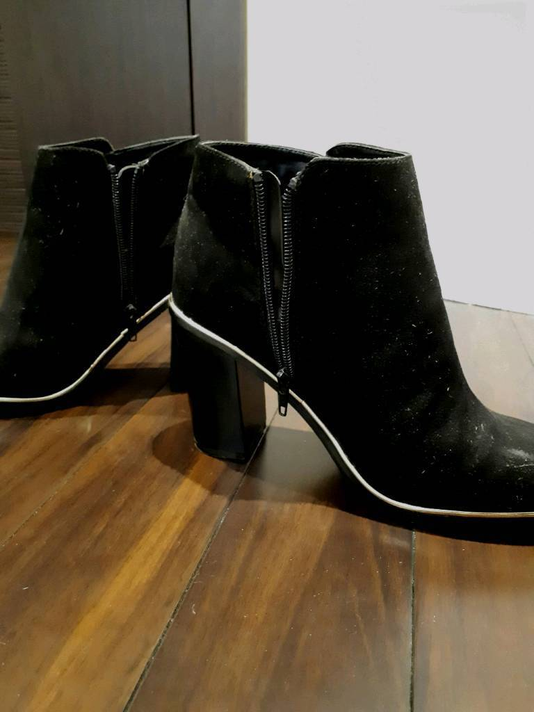 New high heel boots New look size 5