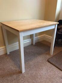 Small table light oak colour