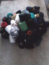 Woolen yarn spools x47.