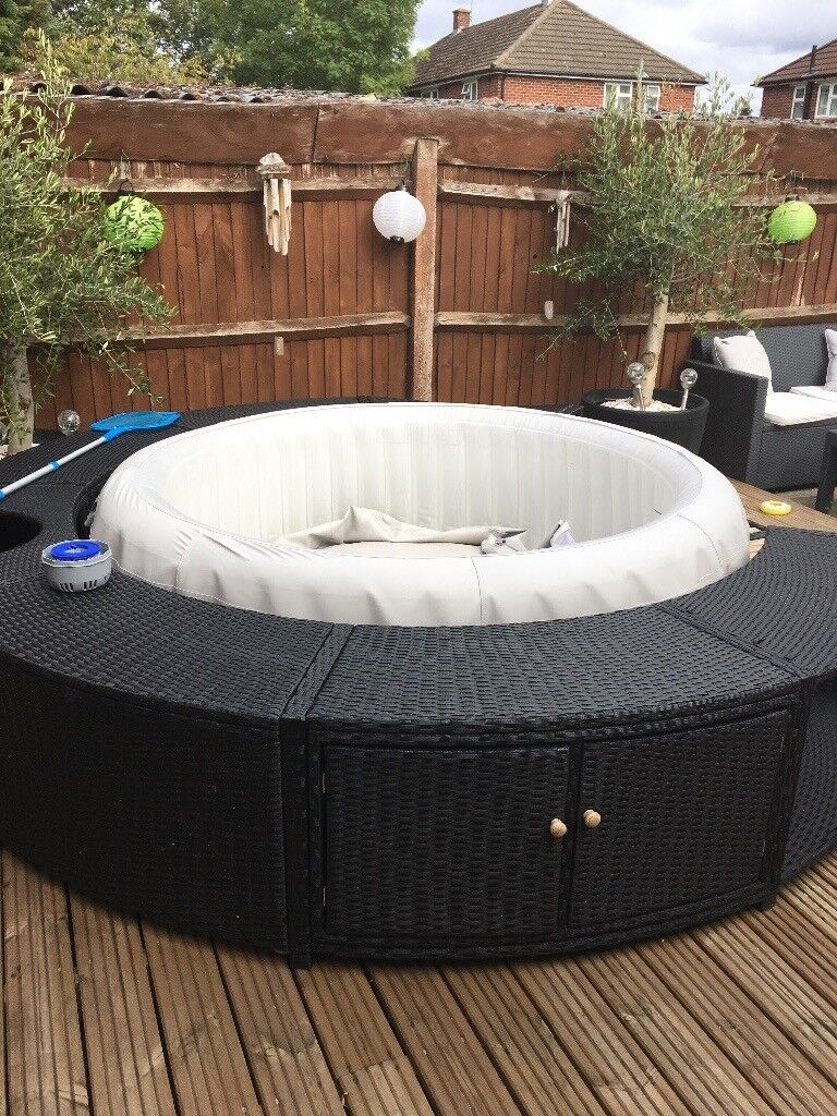 Paris Lazy Spa With Rattan Surround In Maidenhead
