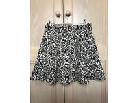 Ladies H&M B&W Floral Skater Skirt - Small