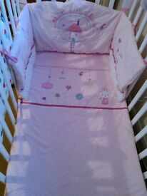 Baby girl cot or cotbed bedding set & bumper vgc collect ml5