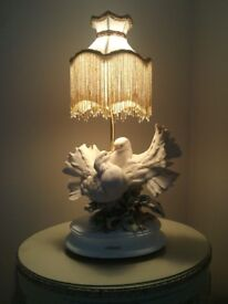 Capodimonte Table Lamp with Pair of doves