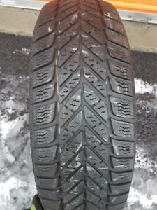 1 PNEU HIVER -  GOODYEAR 225 70 15 - 1 WINTER TIRE