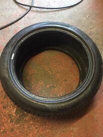 19inch x 2 Tyres 275 40 R19 part worn Perelli