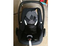 Detachable Car Seat/ carrier. Maxi Cosi. Good condition.