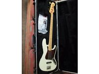 Fender USA 2010 Jazz Bass with SKB Case