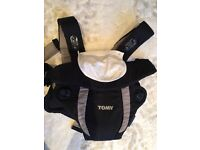 Baby carrier tomy