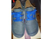 CLARK'S NEW SHOES, IN NAVY NUBUCK ( SUEDE ) SIZE FIVE WIDE FIT D STILL BOXED, MISFIT