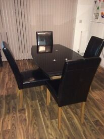 New Beautiful Dinning/Kitchen Table for sale: original price £300 - selling for £150 or Best Offer