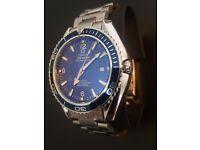 Brand new watch on bracelet , realy nice quality