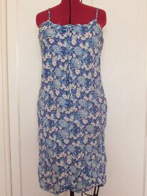 Ladies Bon Marche blue/white floral print sun dress Size 18 Excellent condition