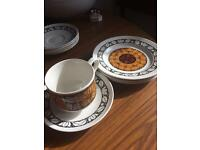 Lot: vintage retro tea sets and teapot