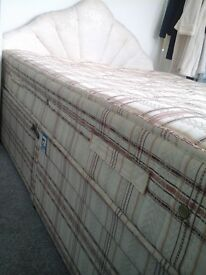 Double bed with mattress, 2 drawers and headboard