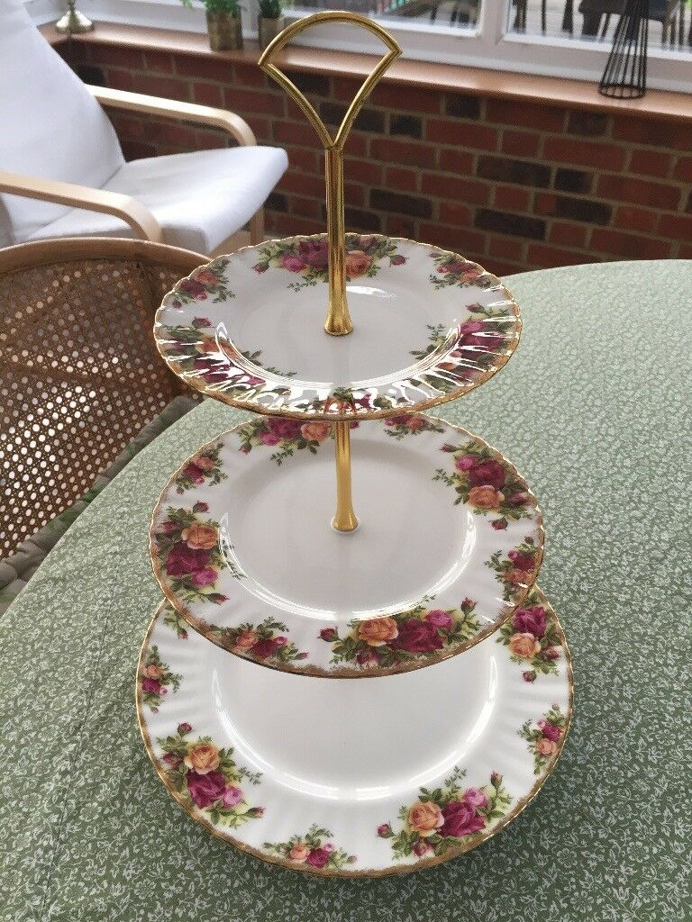 Beautiful Royal Albert, Old Country Roses Cake Stand