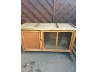 Rabbit hutch in good condition - West Hull - payment on collection