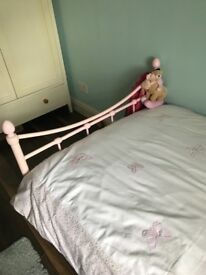 2 girls single bed frames for sale, good conditions