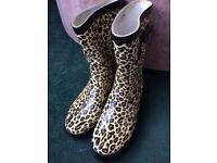 Leopard wellies(size 6)