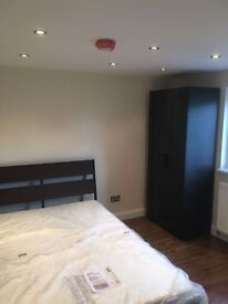 Double room available in a newly refuribshed house (5 mins walk to Woolwich Dockyard station)