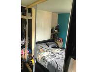 Free Mirror sliding doors wardrobe